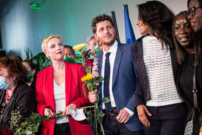 Les candidats de la liste de gauche, Clémentine Autain (LFI), Julien Bayou(EELV), etAudrey Pulvar(PS)lors de leur meeting de campagne pour le second tour des élections régionales à Paris, le 24 juin.