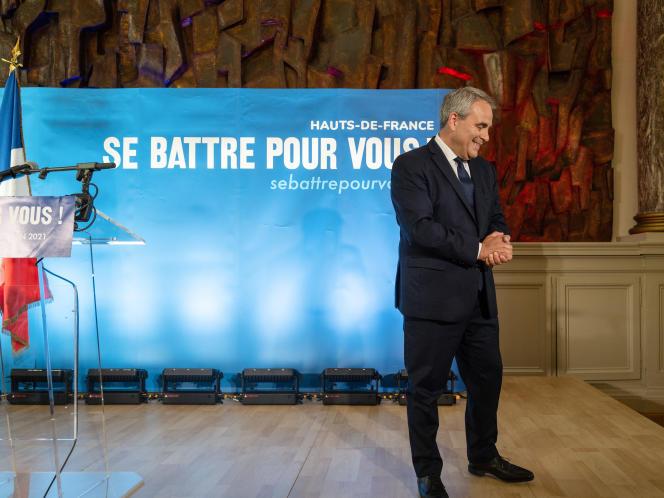 Xavier Bertrand, réelu à la présidence de la région Hauts-de-France, après son discours au palais de Fervaques à Saint-Quentin, le 27 juin 2021.