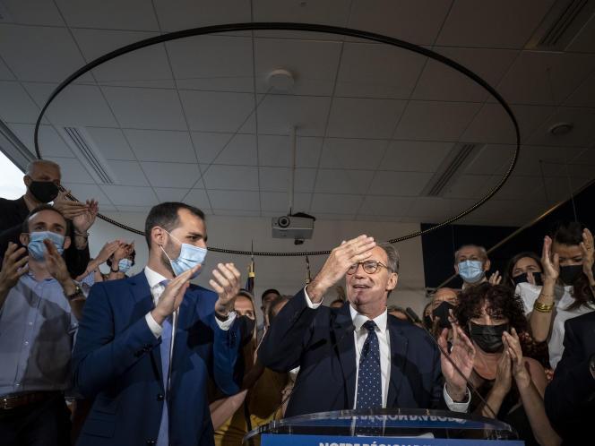 Renaud Muselier prononce un discours à son QG de campagne, après l'annonce des résultats provisoires du second tour des élections régionales et départementales, à Marseille (Bouches-du-Rhône), le 27 juin 2021.