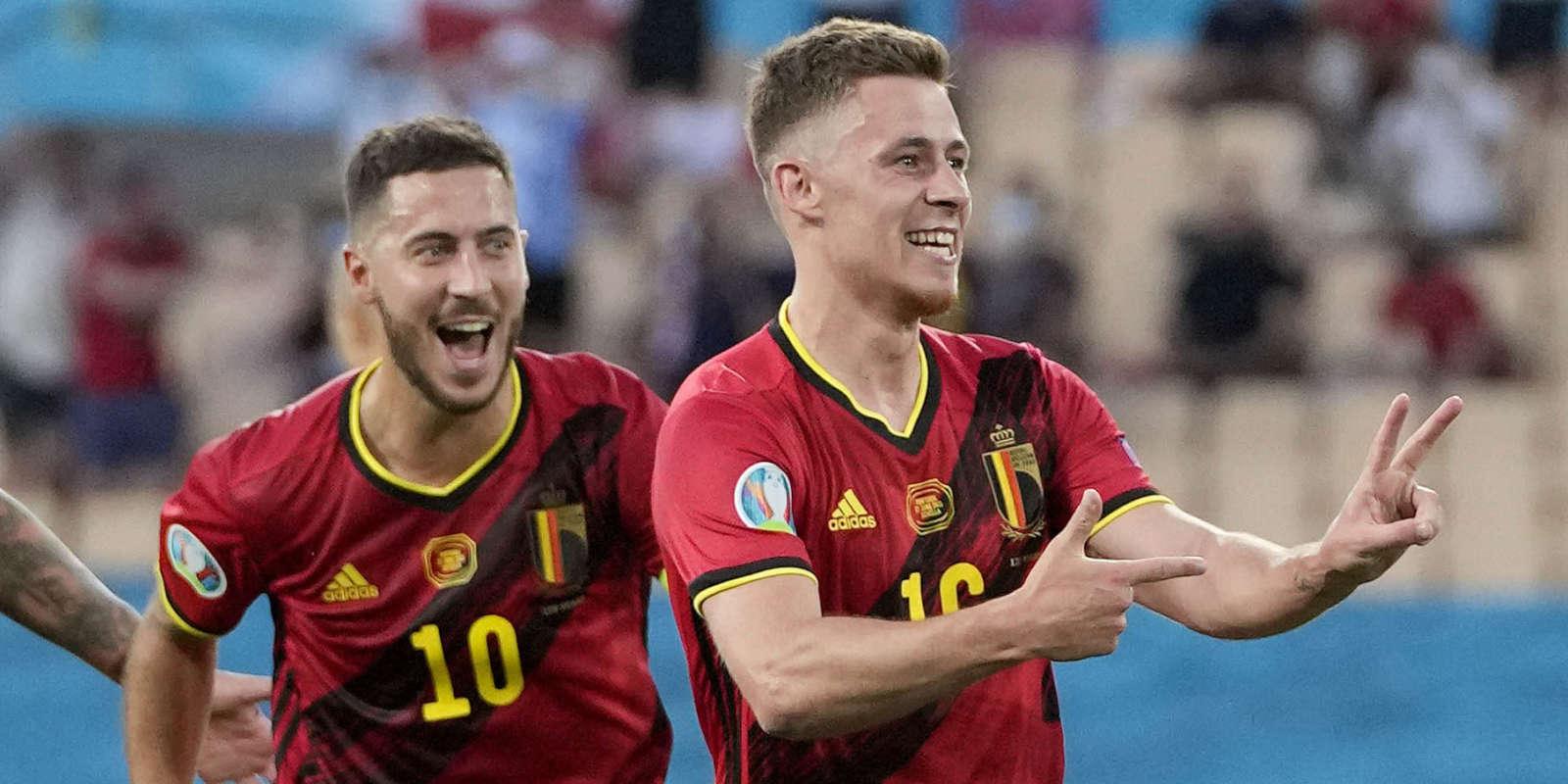 Eden Hazard et Thorgan Hazard fêtent l'ouverture du score de l'ailier de Dortmund.