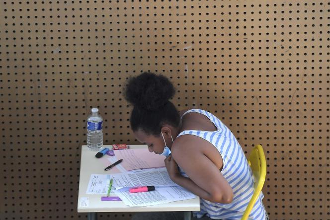 Une étudiante au lycée Pasteur de Strasbourg, le 17 juin 2021.