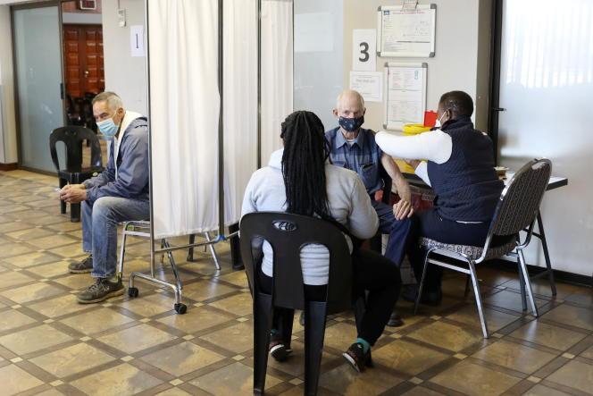 Vaccination dans la petite ville de Meyerton, au sud de Johannesburg, le 23 juin 2021.