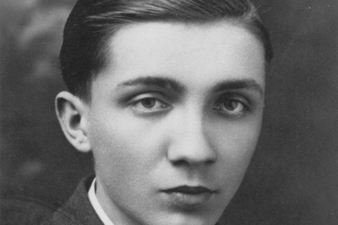 Portrait du jeune Aleksander Kulisiewicz, en Pologne, vers 1936.