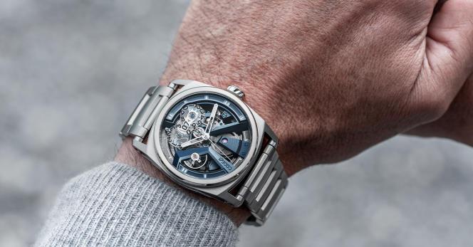 X41 Titane Bleu, bracelet en métal