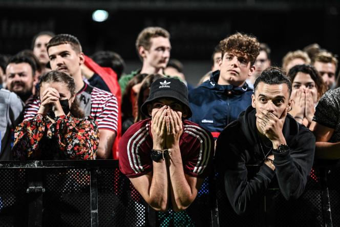 Des supporteurs des Bleus dans la fan-zone du stade de Gerland, à Lyon, le 28juin2021.