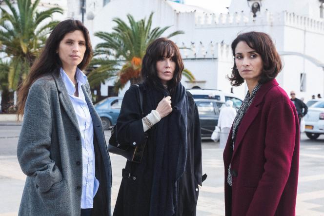 De gauche à droite :Nohra (Maïwenn), Zorah (Isabelle Adjani) et Djamila (Rachida Brakni) dans« Sœurs», deYamina Benguigui.