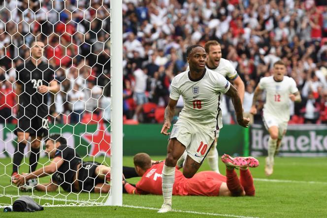 Sous le maillot anglais, Sterling se livre à un sacré numéro.