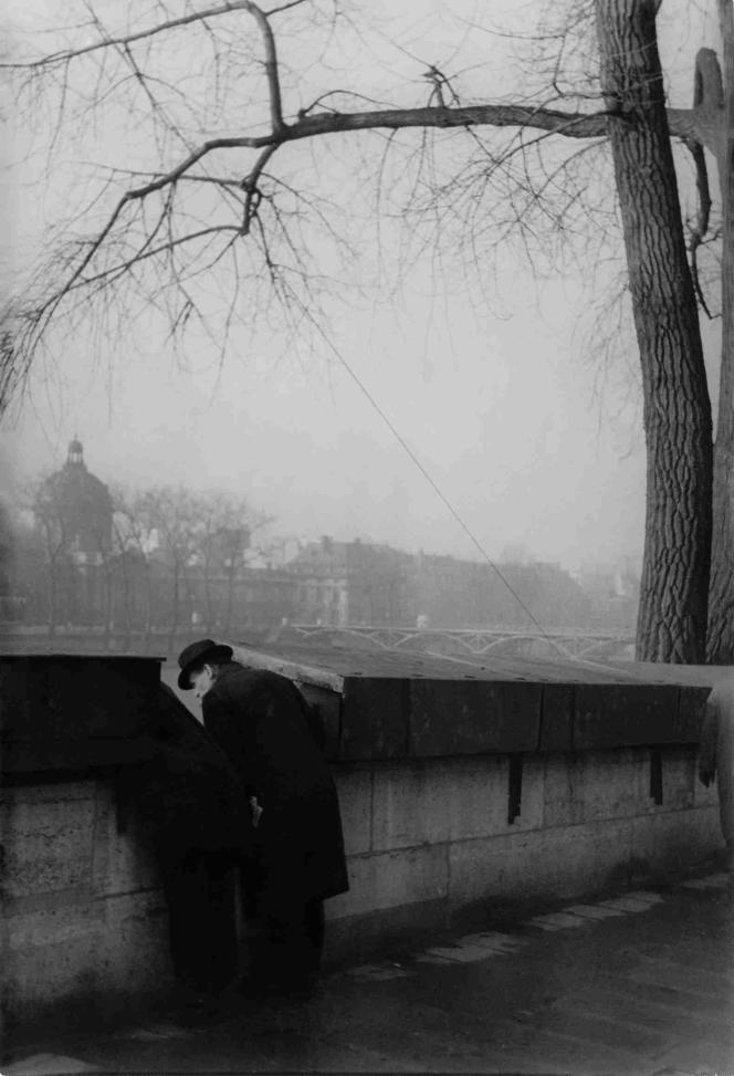Henri Cartier-Bresson : « Le pont des Arts», 1936 – Collection Fondation Henri Cartier-Bresson.