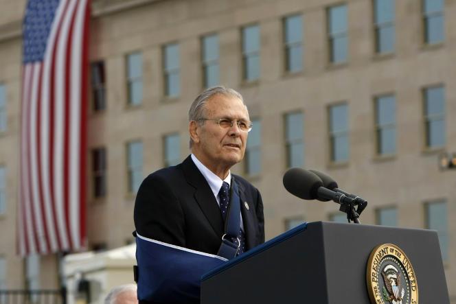 Donald Rumsfeld en el Pentágono Memorial, Washington DC, 11 de septiembre de 2008.