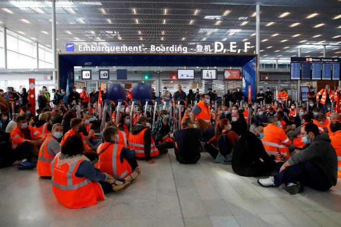 Les trois syndicats représentatifs de Groupe ADP ont déposé des préavis de grève pour vendredi et samedi.