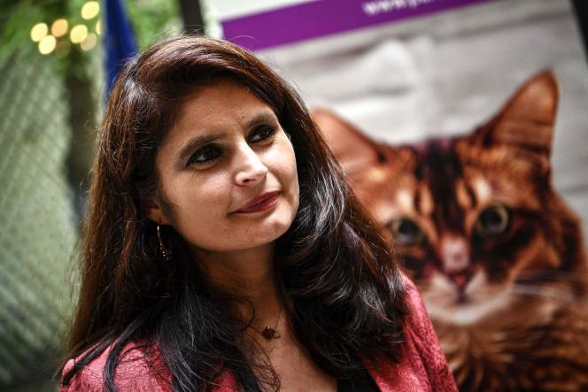 La cofondatrice du Parti animaliste, l'avocate Hélène Thouy, à Paris, lors du lancement de sa candidature à la présidentielle de 2022.