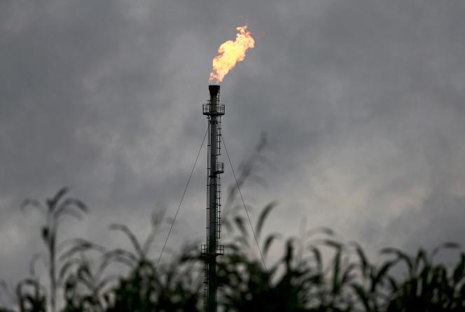 Une torchère à Ughelli, dans l'Etat nigérian du Delta, en septembre 2020.
