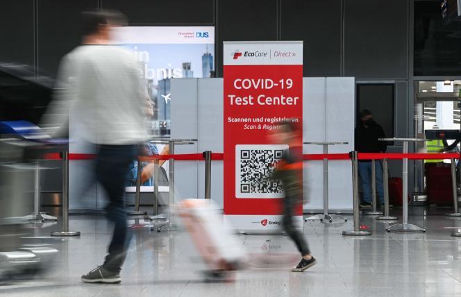 A l'aéroport de Düsseldorf, en Allemagne, le 2 juillet 2021.