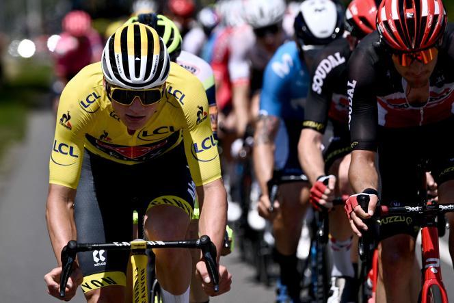 Mathieu Van der Poel (Alpecin-Fenix), lors de la septième étape du Tour de France, entre Vierzon (Cher) et Le Creusot (Saône-et-Loire), le 2 juillet.