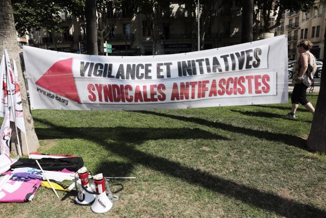 Préparatifs de la manifestation contre le congrès du RN à Perpignan, samedi 3 juillet.