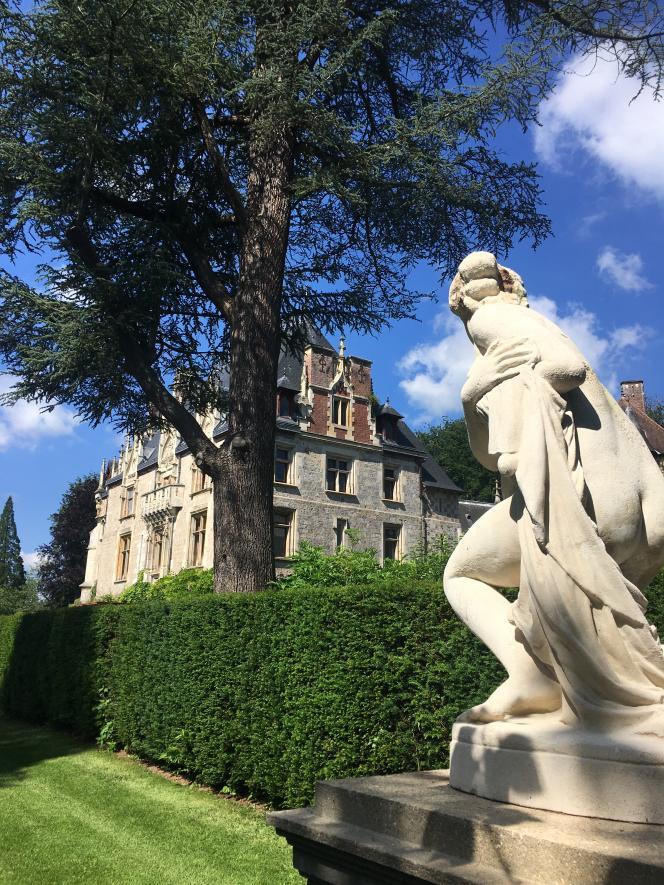 Vue du château, dans le parc de Clères.
