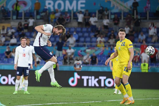 Un but du capitaine anglais Harry Kane lors du match contre l'Ukraine àRome, samedi 3 juillet 2021.