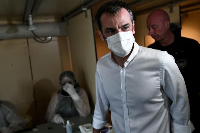 Olivier Véran a surpris en annonçant que le délai pour le passe sanitaire passait de quatorze à sept jours après la dernière injection. Une décision en réalité soutenue par les données scientifiques.