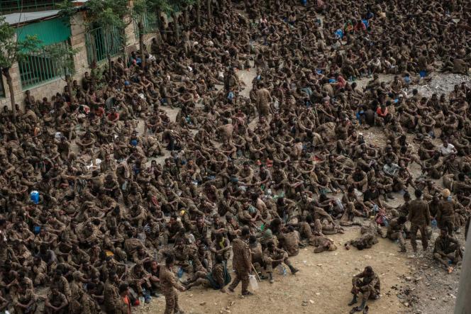 Des soldats éthiopiens faits prisonniers à Makalé, dans la région du Tigré, le 2juillet 2021.