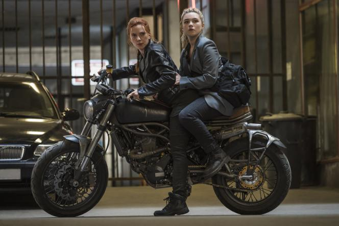 Yelena (Florence Pugh) et Natasha Romanoff (Scarlett Johansson) dans «Black Widow».
