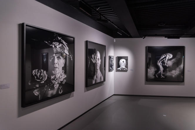 L'espace d'exposition du Centre de la photographie de Mougins (Alpes-Maritimes) avec les photographies d'Isabel Muñoz.