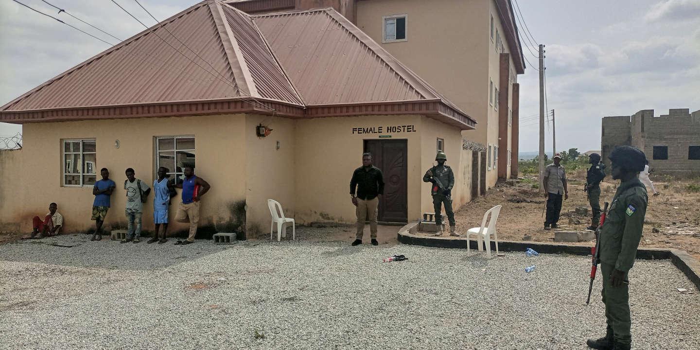 Des hommes armés enlèvent 140 lycéens au Nigeria