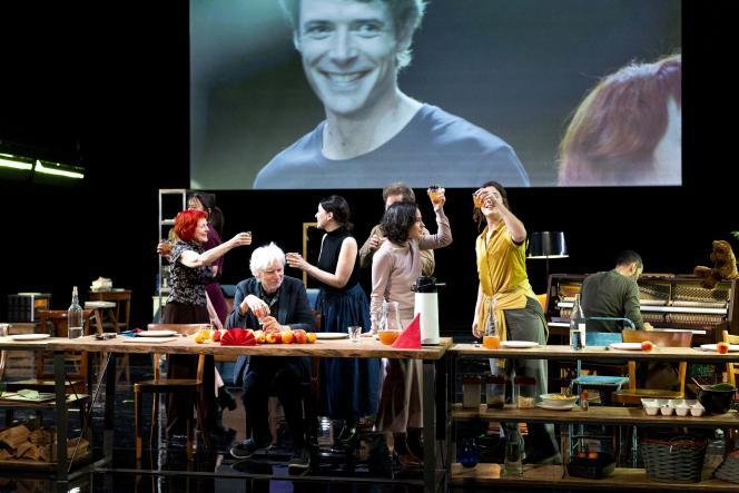 «Entre chien et loup», mis en scène par Christiane Jatahy, en juillet 2021, au Festival d'Avignon.