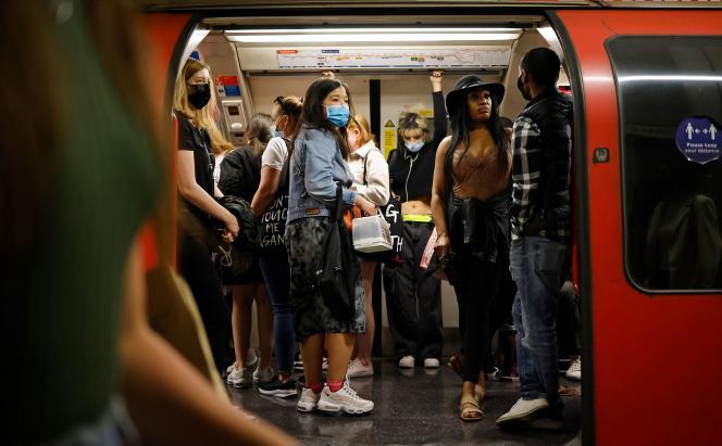 Dans le métro londonien, le 6 juin 2021.