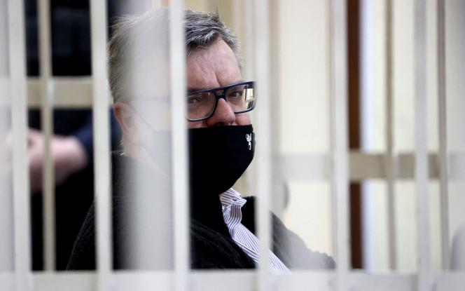 Viktor Babaryko, durante su juicio por corrupción en Minsk, el 17 de febrero de 2021.