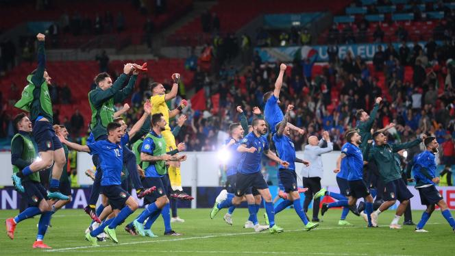 Les joueurs italiens célèbrent leur victoire en demi-finales, mardi 6 juillet 2021 à Wembley, à Londres.