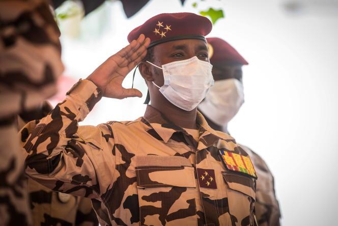 Mahamat Idriss Déby Itno, fils du défunt président tchadien Idriss Déby, assiste aux funérailles nationales de son père à N'Djamena, le 23 avril 2021.