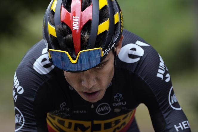 Wout van Aert, au cours de l'ascension du mont Ventoux, lors de la 11e étape du Tour de France, mercredi 7 juillet.
