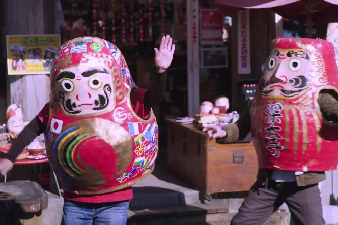 Extrait de l'épisode «Daruma, porte-bonheur national ?»de la websérie «Gacha Gacha» (2020).