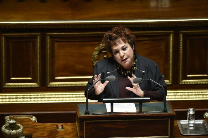 La sénatrice EELV, Esther Benbassa, prend la parole au Sénat, le 22 mars 2016, à Paris.