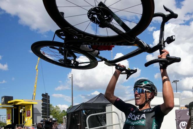 Nils Politt à l'arrivée de la 12e étape, jeudi 8 juillet à Nîmes.
