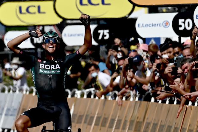L'Allemand Nils Politt (Bora Hansgrohe) lors de sa victoire dans la 12e étape du Tour de France, entre Saint-Paul-Trois-Châteaux et Nîmes, le 8 juillet.