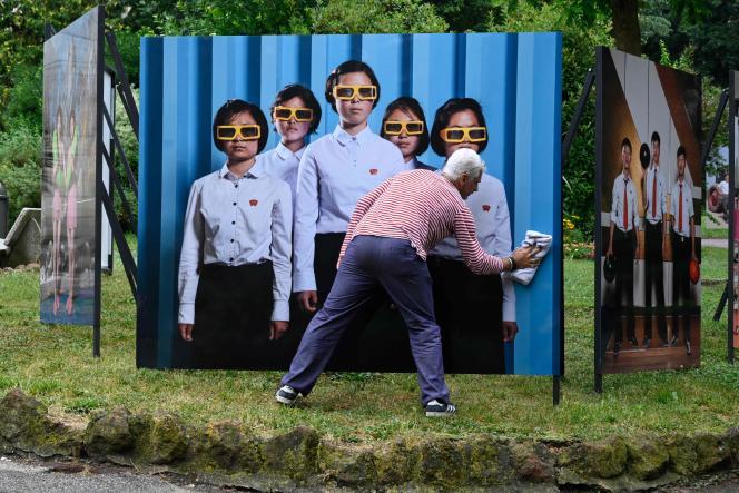 Exposition du photographe Stéphan Gladieu sur la Corée du Nord, le 4juillet 2021, aux Rencontres d'Arles.