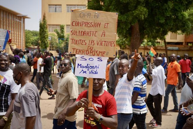 Plusieurs miliers de personnes ont marché à Ouagadougou (photo) et dans le pays le 3 juillet 2021, pour dénoncer la gestion de la crise sécuritaire.