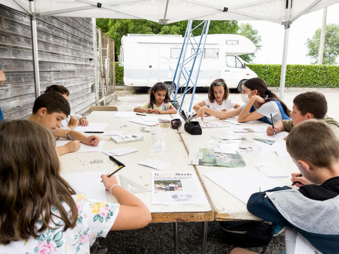 Organisée chaque année, la rédaction des enfants accueille matin et après-midi des groupes d'enfants de 5 à 17 ans, qui deviennent, le temps d'une, deux ou trois journées, des journalistes (quasi) confirmés.