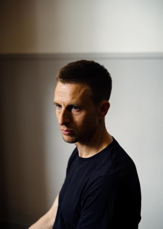 L'acteur Anders Danielsen Lie, le 8 juillet 2021, dans les locaux de la société Memento à Cannes.