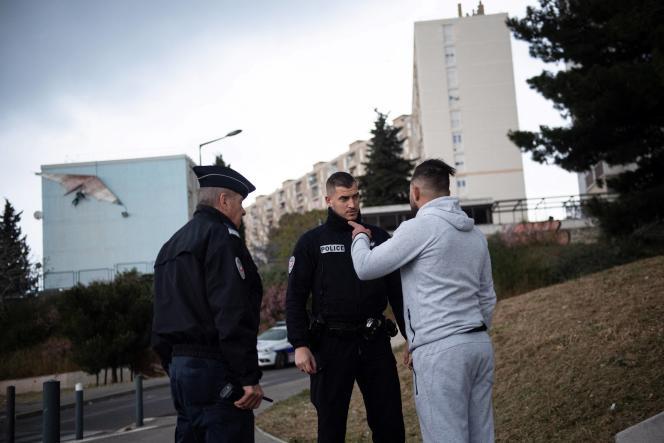 Opération anti-drogue dans la Cité des oliviers, dans le nord de Marseille, en mars 2020.