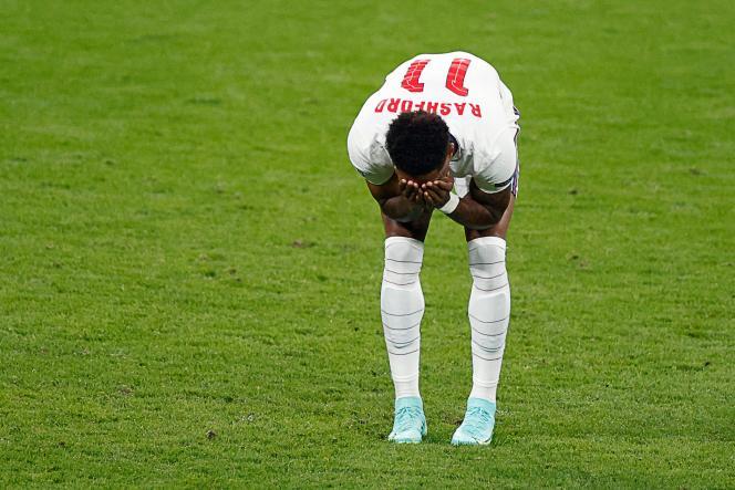 La réaction de Marcus Rashford à la suite de son penalty raté lors de la finale de l'Euro du 11juillet 2021, au stade de Wembley, à Londres.