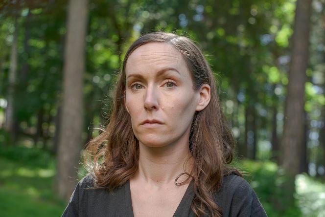 Elin L'Estrange, à Oslo, le 24 juin 2021. La jeune femme est une des survivantes du massacre d'Utøya.