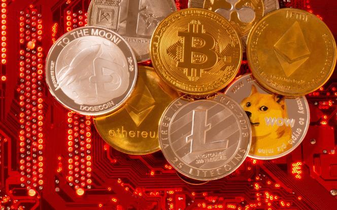 Cryptocurrency-representaties, waaronder Ethereum gestolen van het Poly Network.