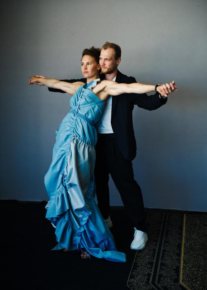 L'actrice Seidi Haarla et l'acteur Yuriy Borisov, le 11 juillet 2021, au Palais des festivals à Cannes.