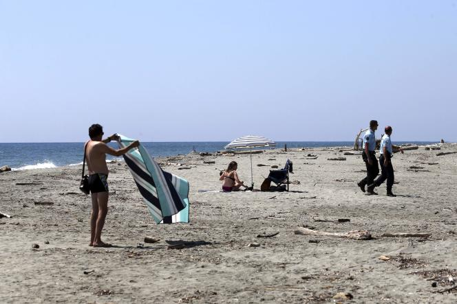 Sur la plage d'Aléria (Haute-Corse), le 12 juin 2021.