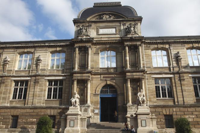 La façade du Musée des beaux-arts de Rouen.