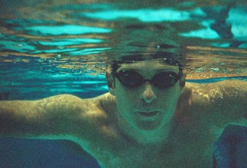 Christophe Clément à la piscine Rouvet, dans le 19e à Paris, le 5 juillet