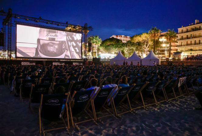 Lors de la projection de«Fast & Furious 9», deJustin Lin, lundi 12 juillet, sur la plage de Cannes.