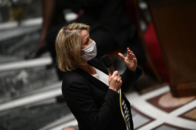 La ministre de la transition écologique, Barbara Pompili, à l'Assemblée nationale, à Paris, le 4 mai 2021.